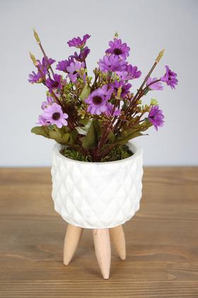 Yapay Çiçek Deposu - Ahşap Ayaklı Beton Saksıda Yapay Papatya Bahçesi 30 cm Mor