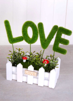 Yapay Çiçek Deposu - Dekoratif Çit Saksıda Love Dekoru