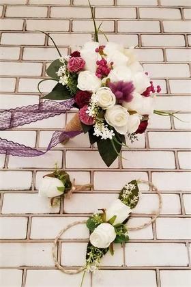 Yapay Çiçek Deposu - Beyaz Güller ve Mor Karanfil Kokteyli Esen Gelin Çiçeği 3lü Set